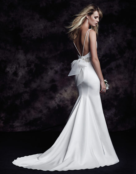 Ing A Wedding Gown For Your Body Shape Hourgl Style 4614