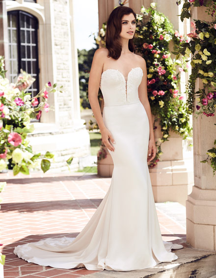 Buying A Wedding Gown For Your Body Shape: Hourglass Style 4743