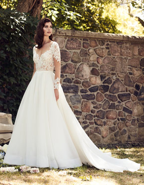 Buying A Wedding Gown For Your Body Shape: Hourglass | Paloma Blanca