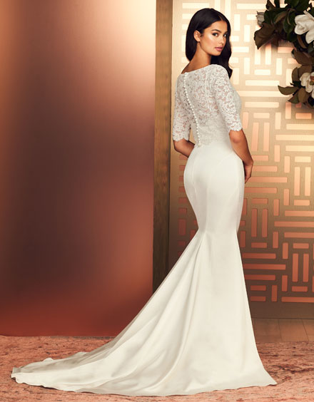 Buying A Wedding Gown For Your Body Shape: Hourglass Style 4897