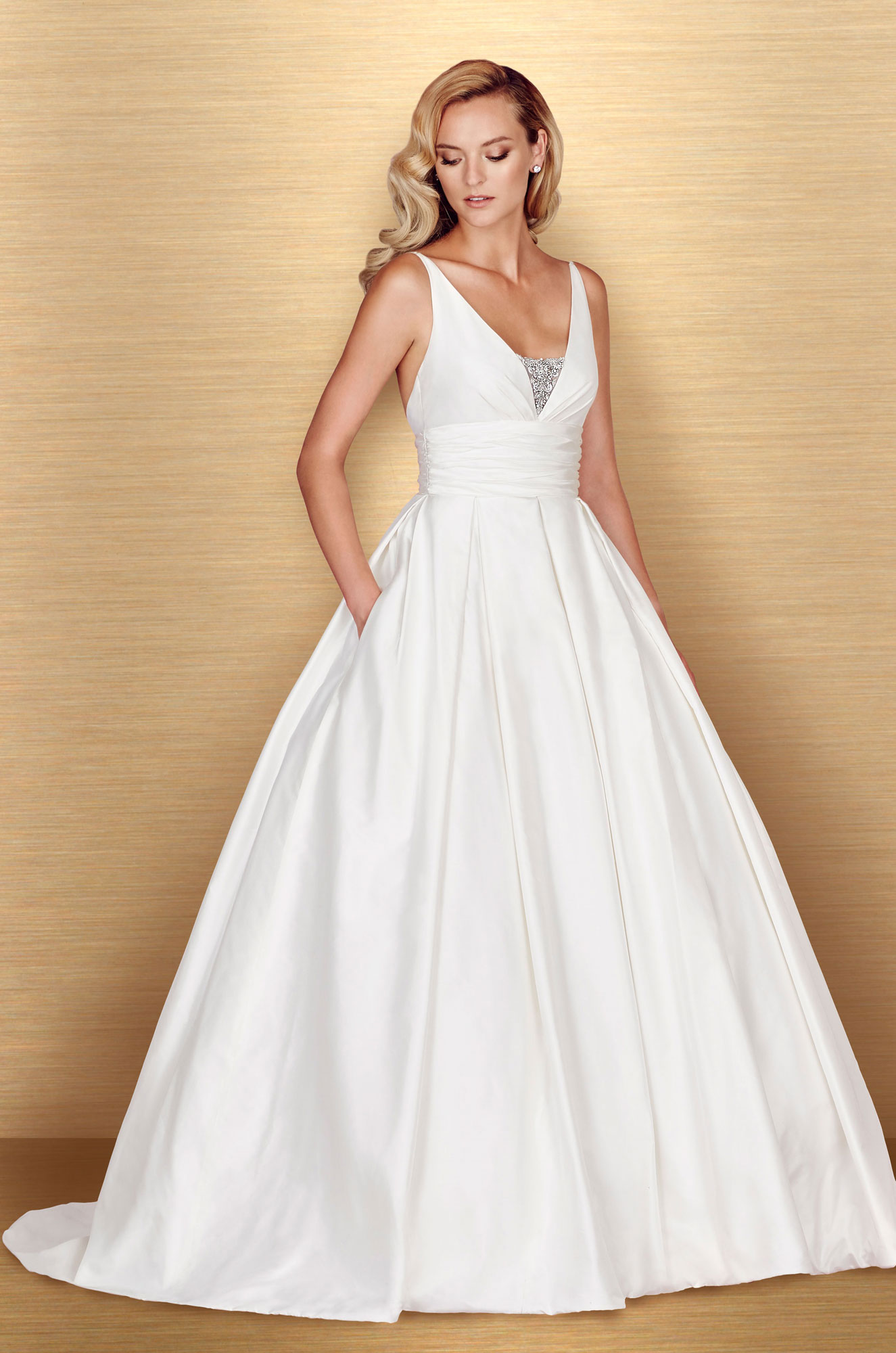 full skirt wedding dress style 4661 paloma blanca