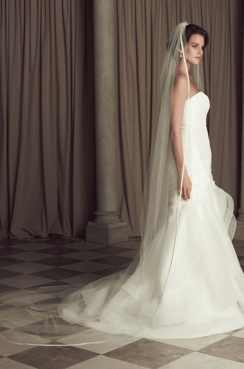 Fabric Edge Bias Veil - Style #V444CT | Paloma Blanca