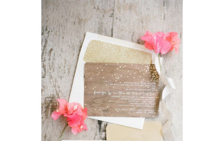 Winter Wedding Trends: Wood-Grain Invitations