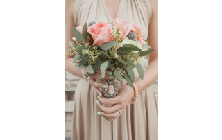 Spring Wedding Trends: Sparkling Bouquets