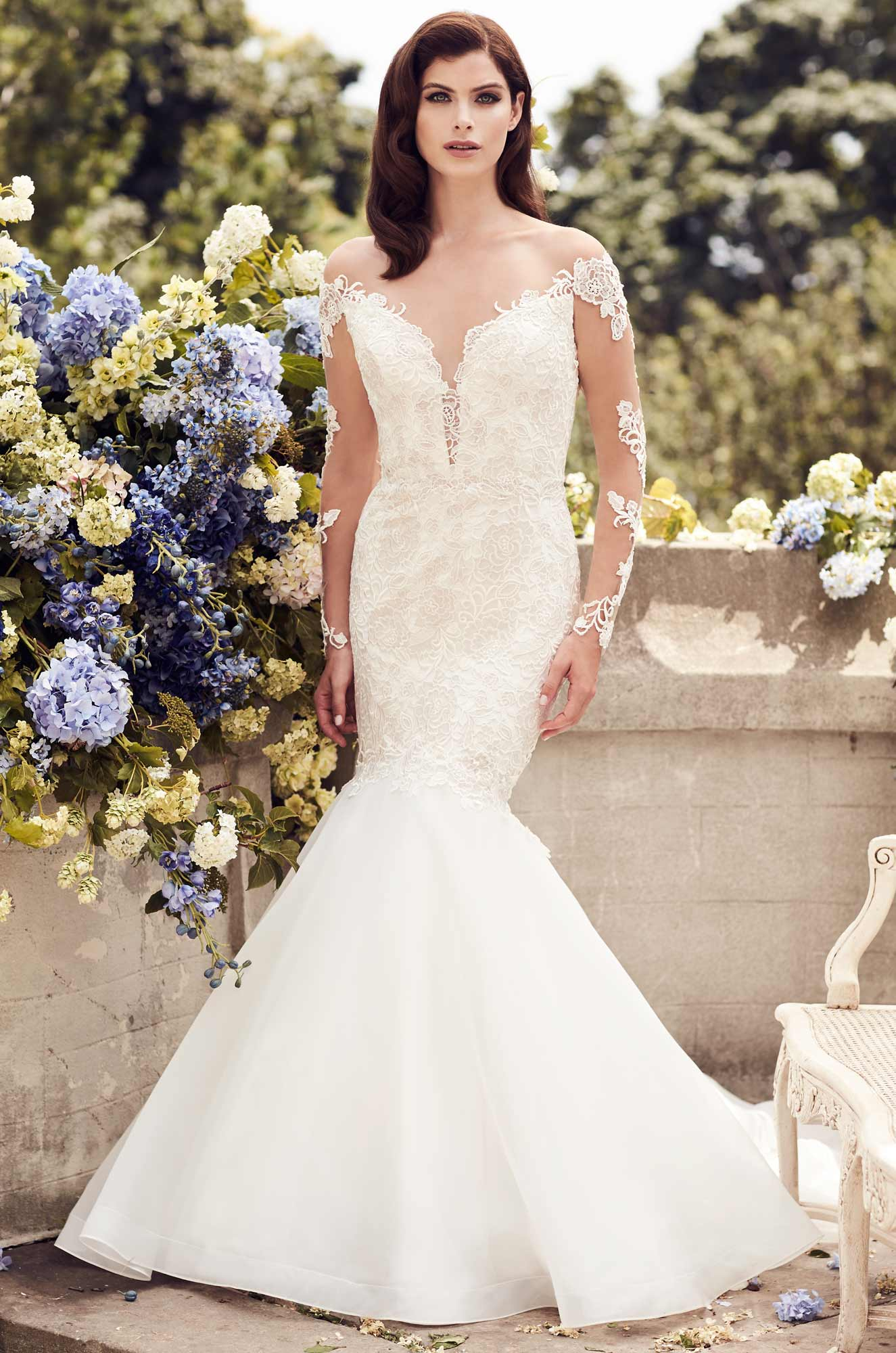 Fitted two tone lace wedding dress style 4728 paloma for Fitted lace wedding dress
