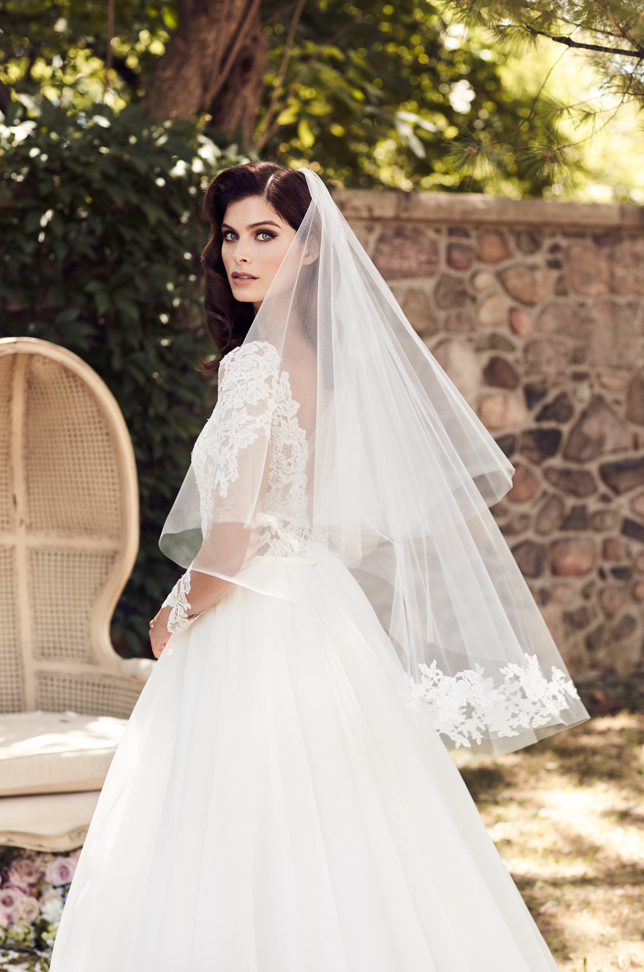 Guipure lace veil style v470f paloma blanca junglespirit Image collections