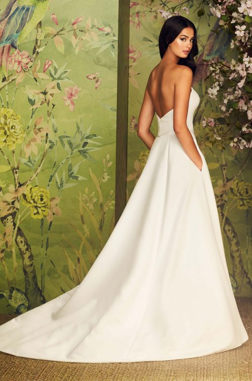 Chic Notched Neckline Wedding Dress - Style #4888 | Paloma Blanca