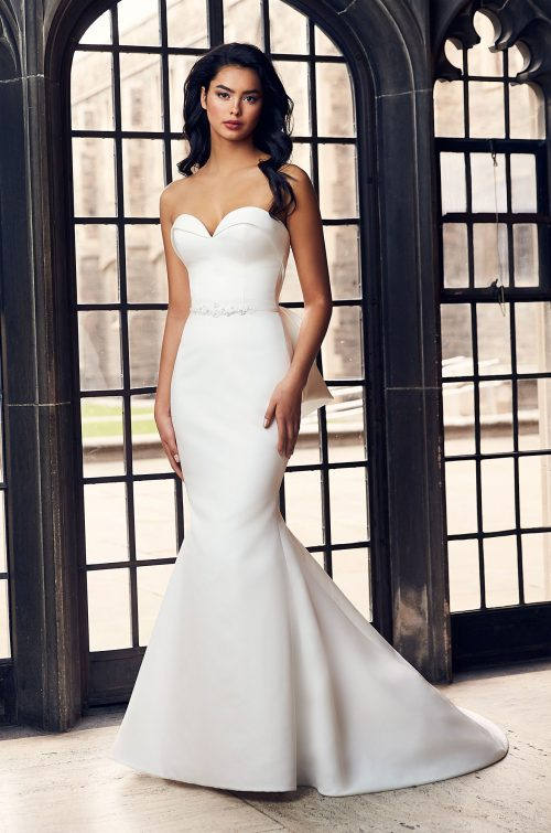 Collar Neckline Wedding Dress - Style #4901 | Paloma Blanca
