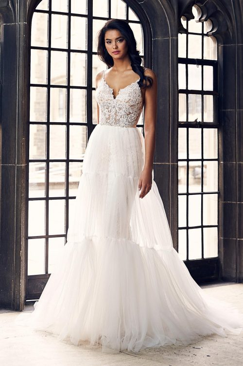 Beautiful Lace Wedding Dress - Style #4905 | Paloma Blanca