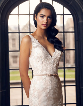 Paloma Blanca What Do You Wear Under A Wedding Dress Low Neckline Style 4900