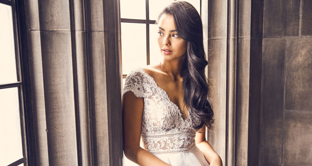 Paloma Blanca Featured Gown Style 4904