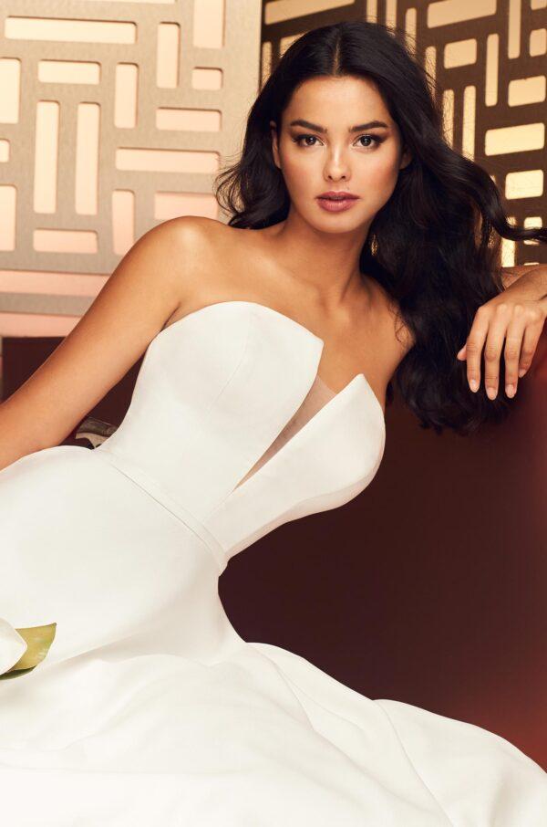 Chic Notched Neckline Wedding Dress - Style #4888 | Paloma Blanca