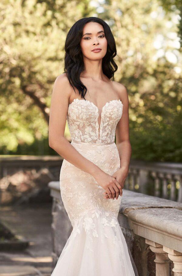Glittering Mermaid Wedding Dress - Style #4925 | Paloma Blanca