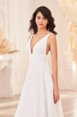 Full Skirt Crepe Wedding Dress - Style #4962   Paloma Blanca