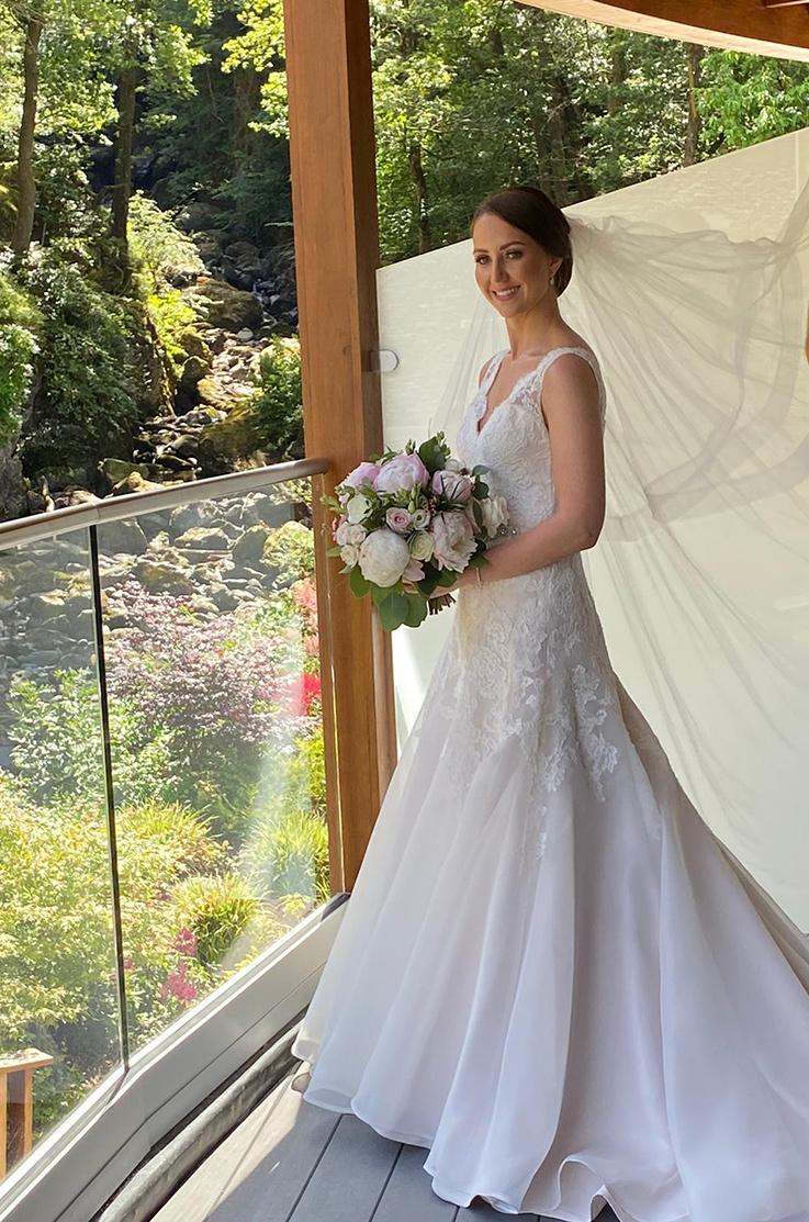 Real Bride Lodore Falls Hotel – Laura & Andrew   Paloma Blanca